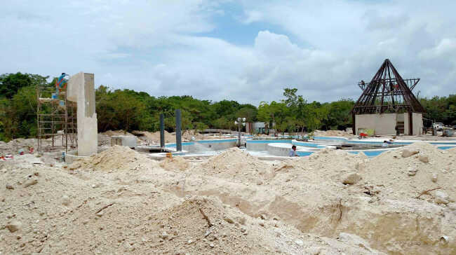 Lazy River under construction at the Jungle Suite Towers.